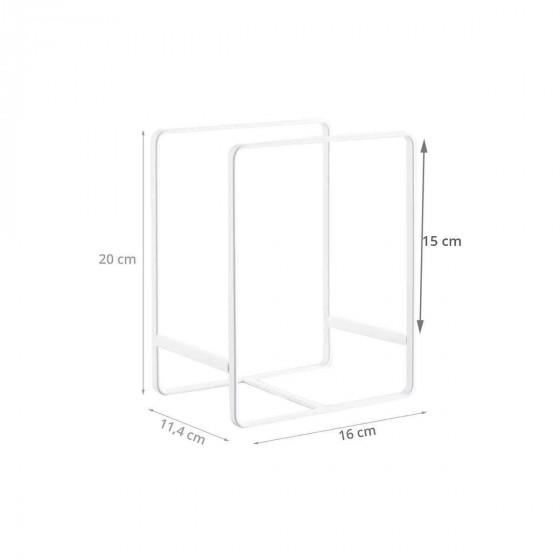 Range assiettes vertical en métal blanc.