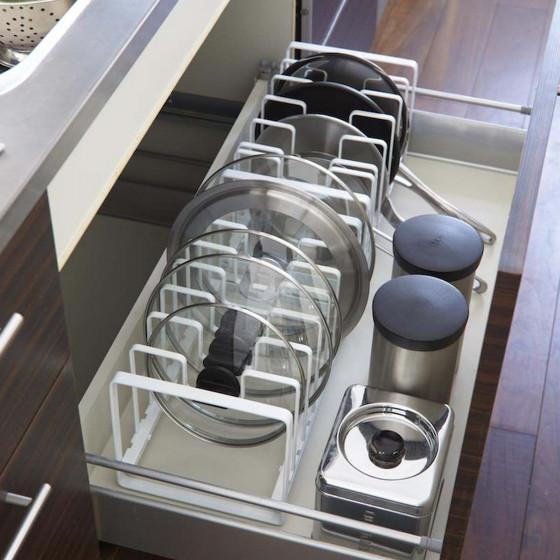 Rangement pour poêles et couvercles de cuisine