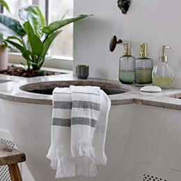 Rangement salle de bain - autour du lavabo